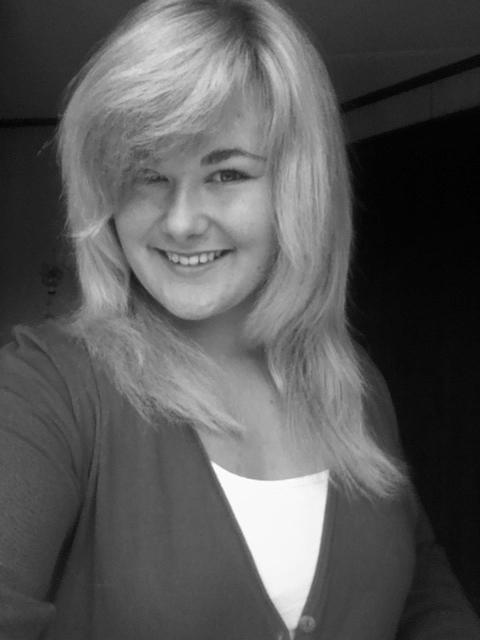 Kathrin Buschmann (17) Autorin